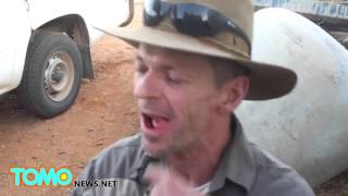 DIY dentistry: Amateur dentist pulling teeth with pliers in the Australian Outback - TomoNews