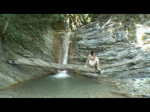 Красивые места России.Водопады,девушки в купальниках,дольмены.Очень интересно! Waterfalls,dolmens.