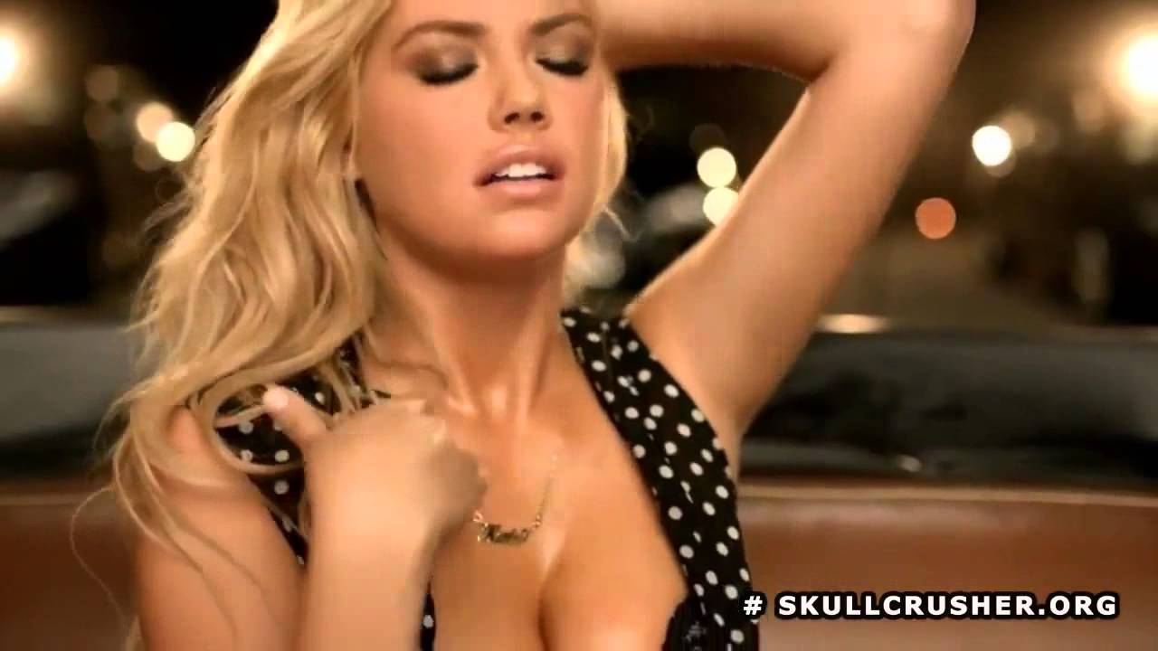 Kate Upton Carl S Jr And Hardee S Full Commercial