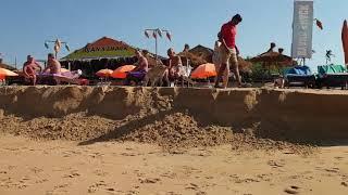 Гоа Кандолим Пляж смыло волной штормит Идем к португальскому форту