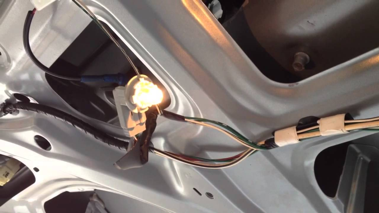 2011 Camry Wiring Diagram How To Replace License Plate Light Bulb On Toyota Sienna