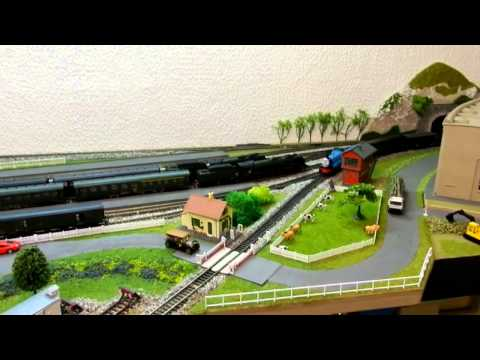 Thomas le petit train ,modifier la loco jouet - la locomotive Edward - Travel Video