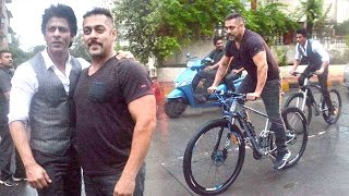 Shahrukh Salman Cycling Together On Streets Of Mumbai Early Morning