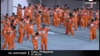 Prisoners perform Michael Jackson tribute - No comment