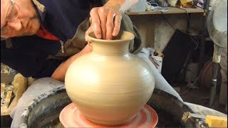 Making a Clay Pottery Moon Jar on the Wheel