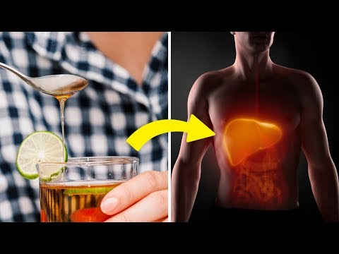 Here's Why You Should Drink a Glass of Lemon and Honey Water Every Day