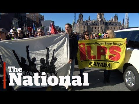 Far-right groups clash with counter-protesters in Ottawa