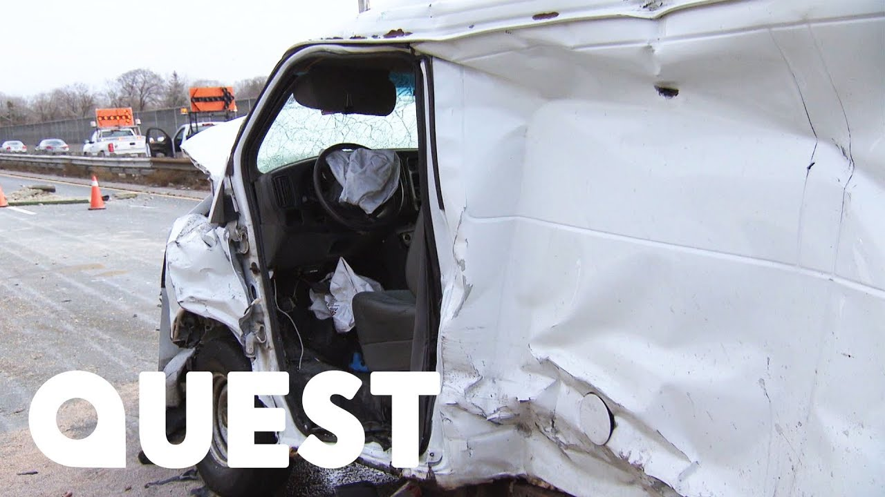 Van Crashes Through Concrete Barrier On Toronto's Busiest Highway | Heavy  Rescue