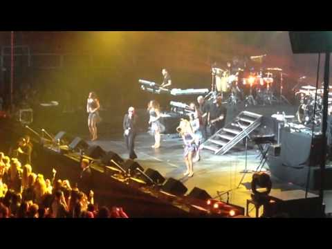 Pitbull sings Timber 12/3/2013