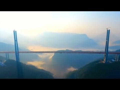 La Chine a mis en service le pont le plus haut du monde