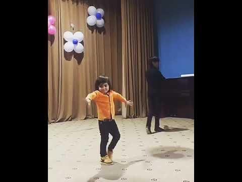 Balacalar Boyuklere  reqsi ile meydan oxudular. 5 yasli usaqlarin Super reqsi. (Tac Dance Studio)