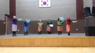 Gaway-gaway folkdance