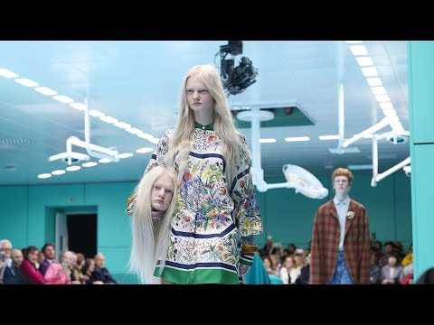 dc4025048 LES FEMMES - THE TRUTH: Gucci Models Carry Their Own (Replicated) Severed  Heads on Runway