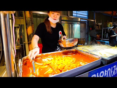 Korean Street Food Tour ft. KPOP + Korean BBQ!! SPICY Korea Street Food in Taiwan!