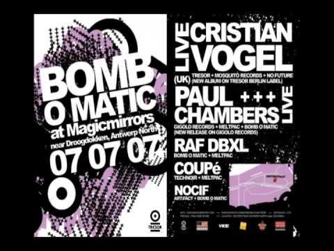 Cristian Vogel @ Bomb O Matic, Magic mirrors (Antwerpen 07-07-2007)