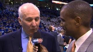 Gregg Popovich stares at David Aldridge after being asked a question