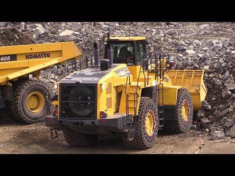 Big Komatsu WA600-8 Wheelloader Loading Komatsu HD605-8 Mining Dump Truck Live Demo @ Steinexpo 2017