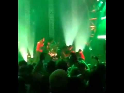 Motley Crue Attacked on Stage! -- Eddie Van Halen + LL Cool J Interview - Gigantour 2013 tour dates!