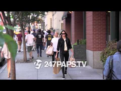 (Exclusive) Kendall Jenner and Hailey Baldwin Food Shopping in SOHO NYC