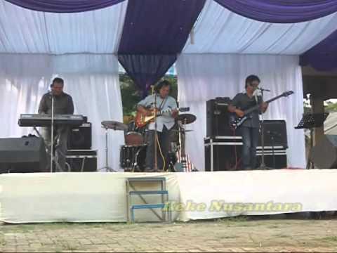 Termenung Lesu Koes Plus by D'Memories Band Bekasi