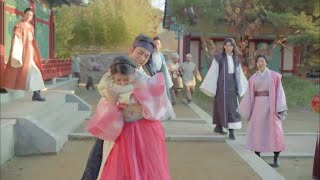 Moon Lovers Scarlet Heart Ryeo Hae Soo ang 10th Prince Eun fight and funny moments