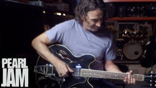 "Stone Gossard Plays ""Let The Records Play"" - Lightning Bolt - Pearl Jam"