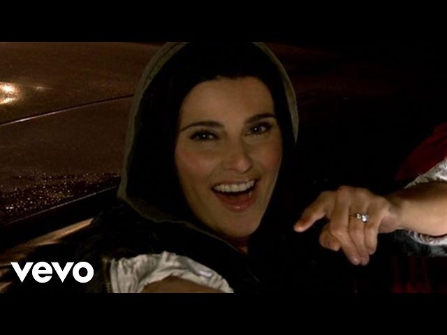 Nelly Furtado - Night Is Young (Behind The Scenes)