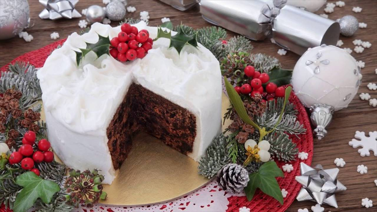 Icing Christmas Cake Mary Berry