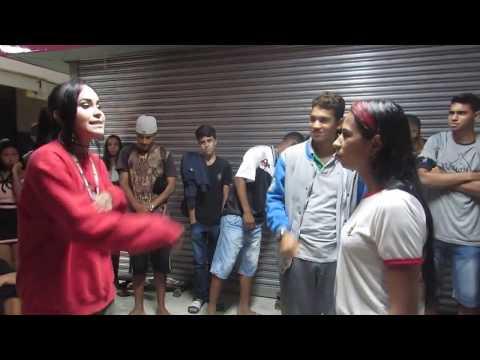 Aline vs Anny Batalha de rap Guerra do flow 1 fase