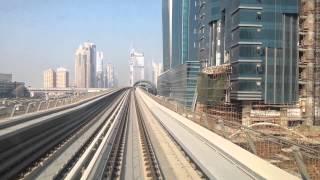 Metro dubai estacion dubai mall & burj khalifa.