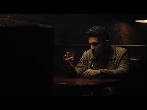 Смотреть клип Michael Ray - Whiskey And Rain