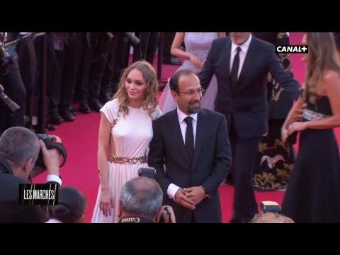 Lily-Rose Depp monte les marches du Festival de Cannes 2017 !