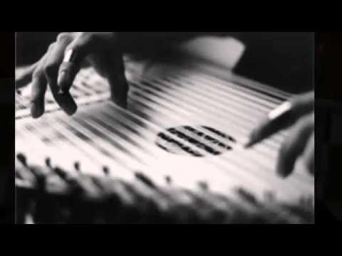 Seksenler Dizisi Duygusal Akustik Gitar ve Kanun Sesi