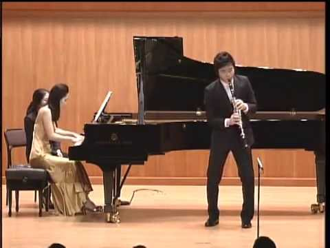 Han Kim plays 3 Romances for Clarinet and piano op.94 by R.Schumann
