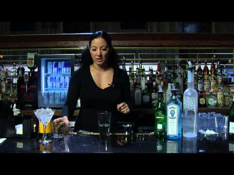 How to Make a Martini With Vodka and Olive Juice