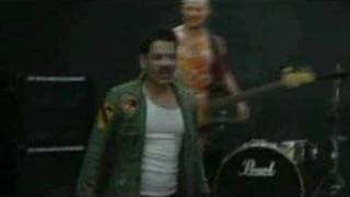 Red Hot Chili Peppers - Making of Tell Me Baby 2