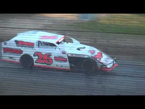 Out-Pace USRA B-Mod B-Main 2 Upper Iowa Speedway 5/28/17
