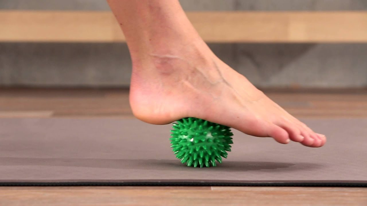 Foot Rehab: Stimulating the Foot Muscles with the Spiky Massage Ball ...