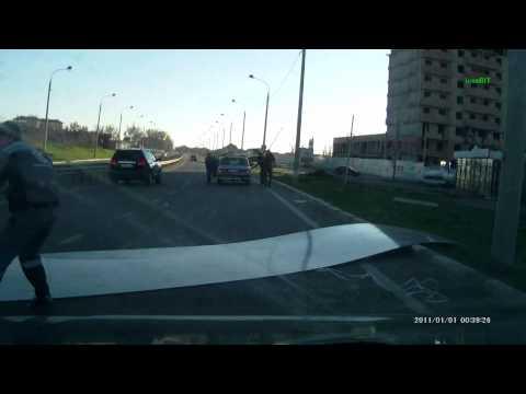 неправильно закреплённый груз на крыше авто