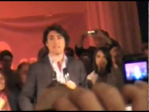 Justin Trudeau Confronted **[Bilderberg, Power Corp, Fluoride, And The Bank Of Canada]**