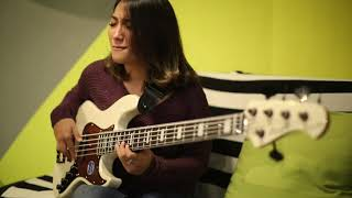 CAN'T HELP IT - Michael Jackson (bass cover by Wanda Omar)