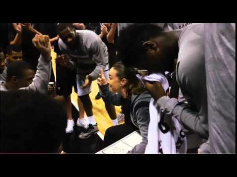 Becky Hammon coaching Spurs Summer League team