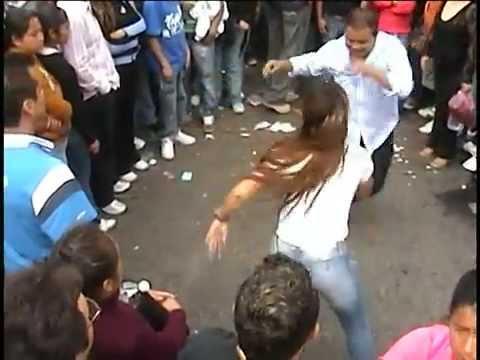 lo mejor de youtube 1 : bailes callejeros en la ciudad de mexico D.F.- .الشارع مكسيكو سيتي الرقص