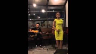 Người Từng Yêu Anh Rất Sâu Nặng - Ngọc Trâm (Live Acoustic)