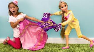 Sofia & Sister both want the same dress