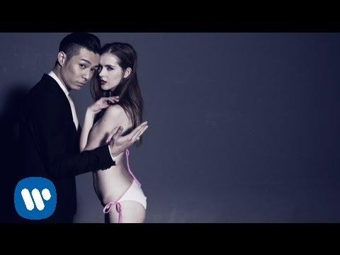 周柏豪 Pakho Chau - 摔角 In The Ring (Official Music Video)