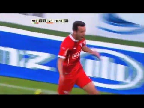 Independiente derrotó a Vélez y se prendió en la lucha