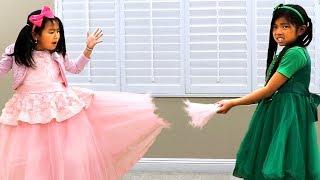 艾玛与珍妮玩修补漂亮连衣裙