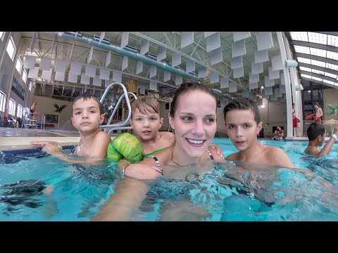 🛍️ MOM TAKES PERSONAL SHOPPER TO COSTCO AND THREE KIDS TO THE POOL 🏊