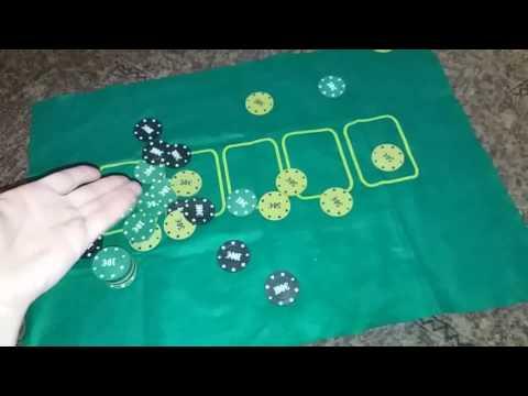 Игра с фишками и картами в казино